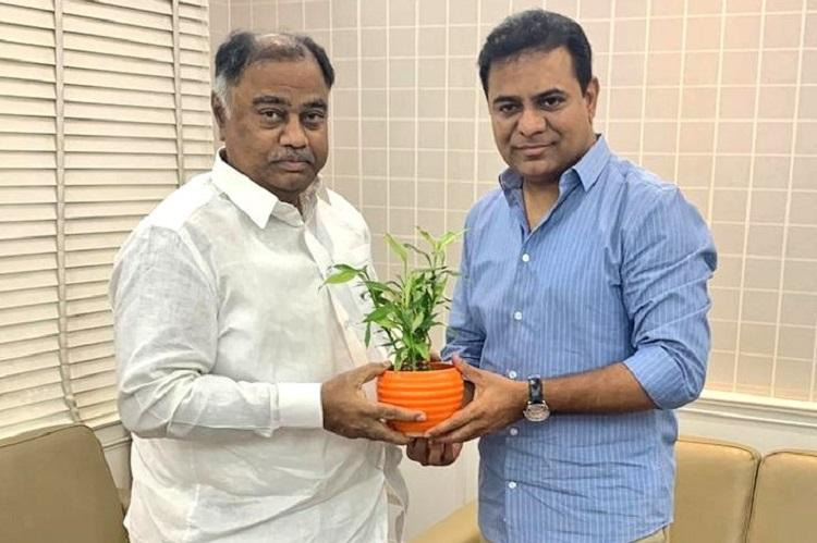 No end to Telangana Congress woes Another MLA meets KTR likely to join TRS