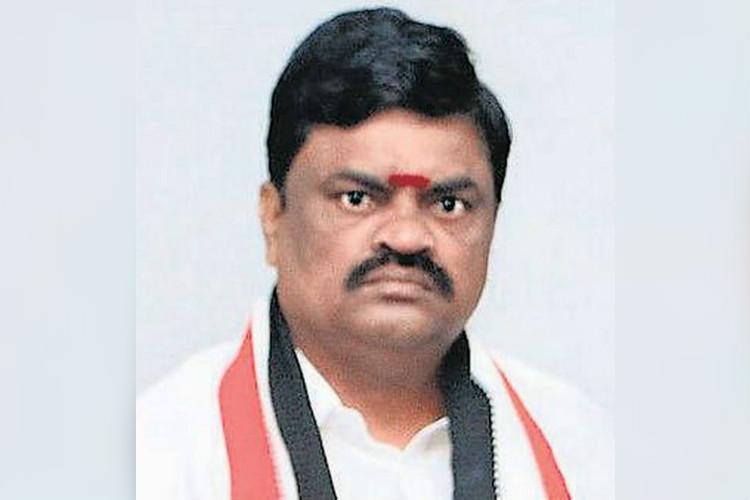 AIADMK minister Rajenthra Bhalaji DA case HC asks DVAC to file report by Oct 8