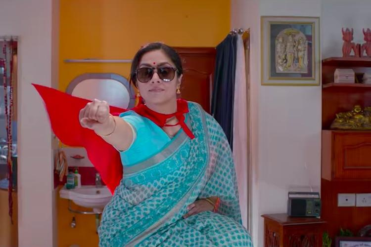 Kaatrin Mozhi review Jyothika wins your heart as Viji in this comedy drama