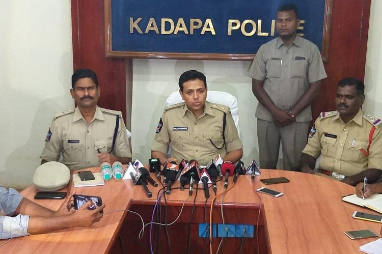 YS Vivekananda Reddy murder SIT questions kin and associates of Andhra politician