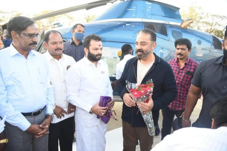 Kamal Haasan being greeted by Kancheepuram district unit functionaries as he visited the town for campaigning on Sunday