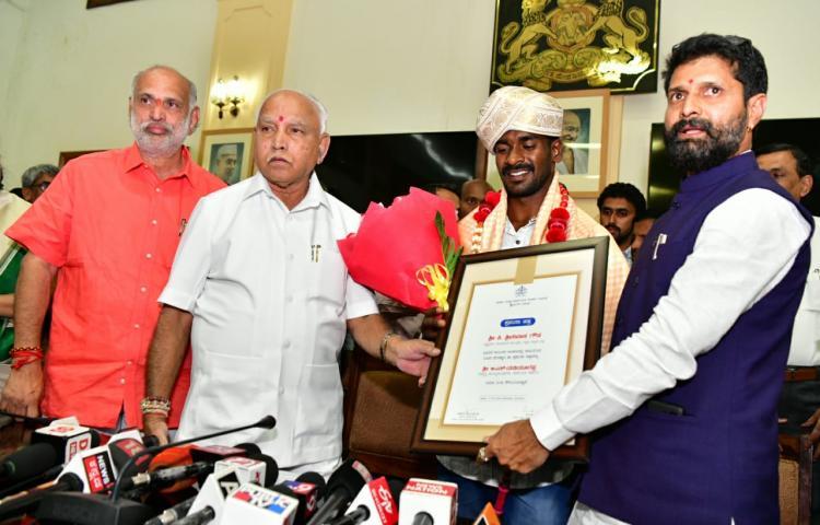 Karnataka Kambala jockey meets Karnataka CM Yediyurappa praised for record-breaking feat