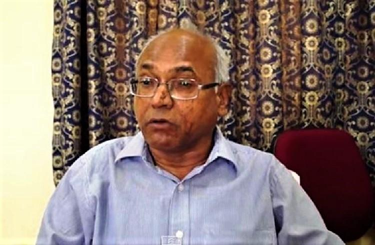 Kancha Ilaiah allegedly attacked with slippers and stones files police complaint