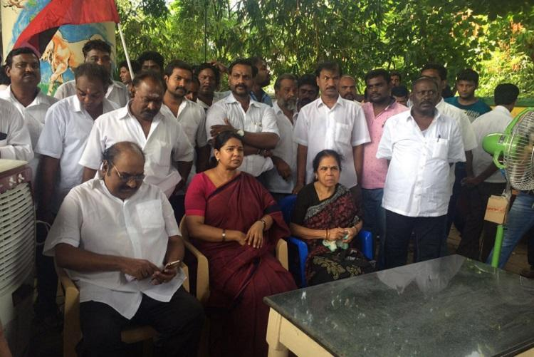 Only business that runs properly in TN is TASMAC Kanimozhi slams AIADMK government