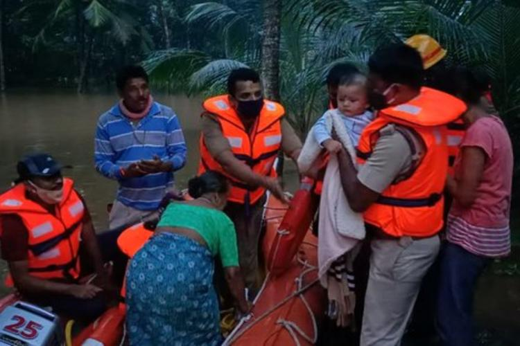 4 north Karnataka districts ar being ravaged by flods
