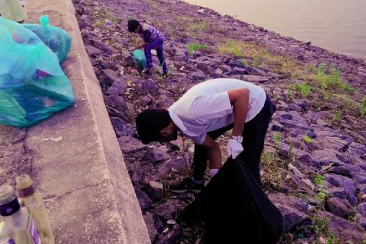 Meet the group from Telangana trying to clean up Karimnagar dam one day at a time