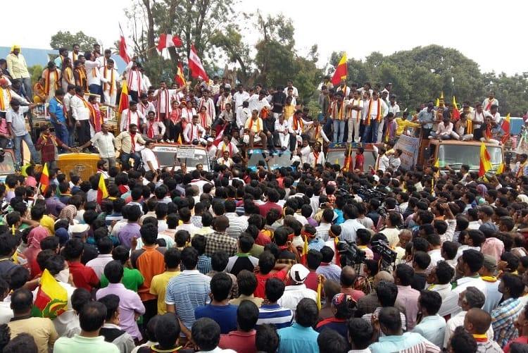 Kannada activists forced companies to shut down for Karnataka Bandh