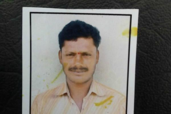 Medak farmer who committed suicide leaves behind a shocked family in debt