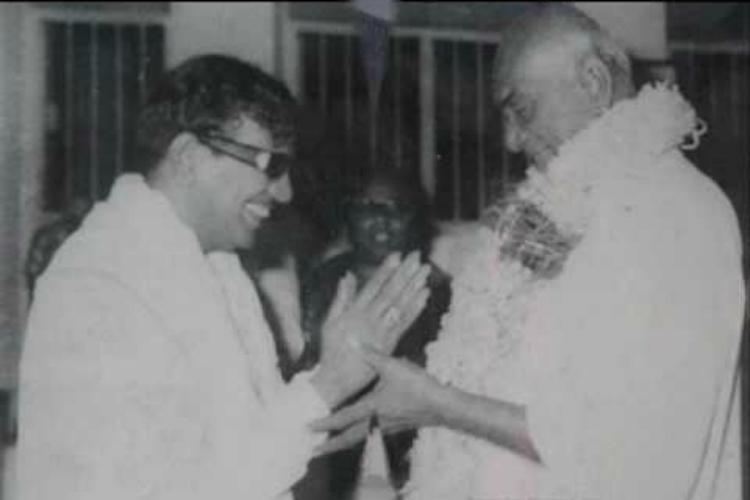 Did Karunanidhi deny Rajaji and Kamaraj a Marina burial