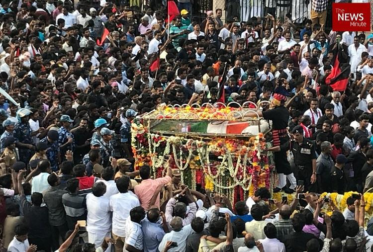 Updates Karunanidhi laid to rest with full state honours at Marina