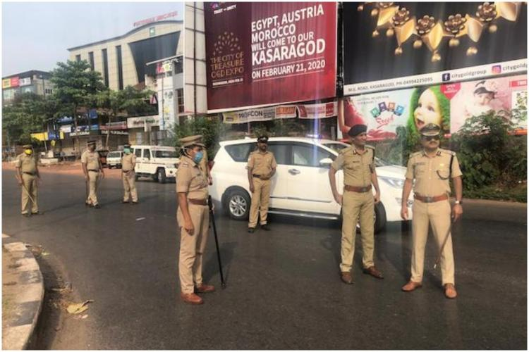 Kerala Police on COVID-18 related duty in Kasaragod