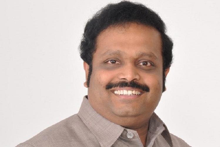 FIR against DMK Duraimurugans son Kathir after Rs 10 crore seized by I-T dept