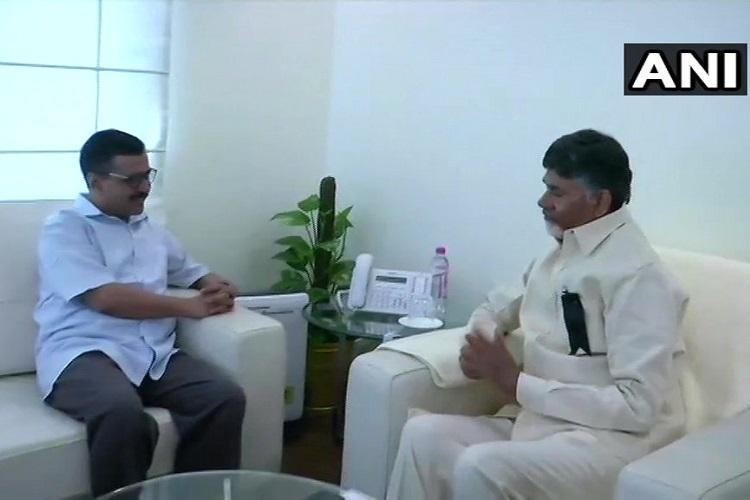CM Kejriwal meets his Andhra counterpart Chandrababu Naidu