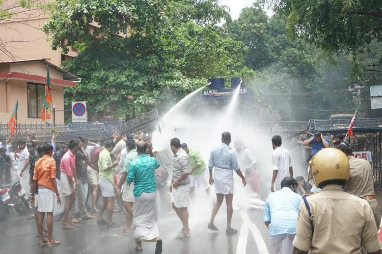 Kerala Opposition Protest in front of the Secretariat