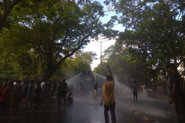 DYFI SFI protest in Thiruvananthapuram against detention of Left party leaders in Delhi