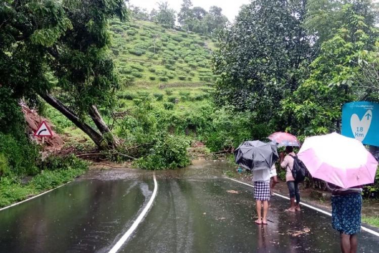 Heavy rains lash several parts of Kerala Orange alert declared in 4 districts