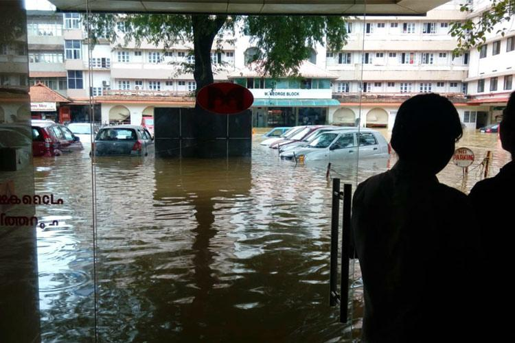 Pathanamthitta hospital flooded no food water or oxygen for stranded patients