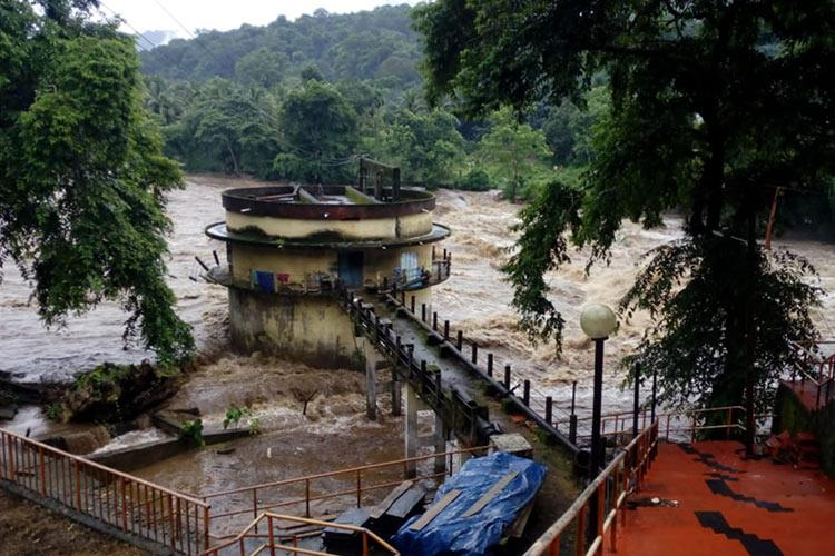 Rain fury to continue in Kerala Red warning for 7 districts on Saturday