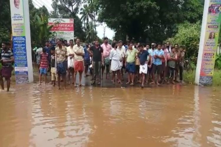 Post floods drinking water sources contaminated in many parts of Kerala