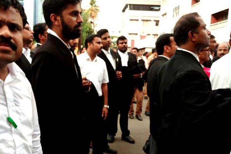 Kerala lawyers ask High Court to stop physical sittings