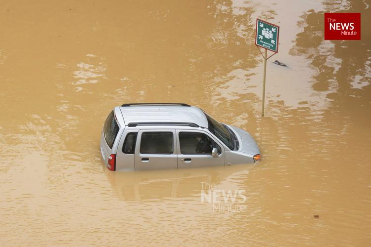 Take photo of vehicle submerged in Kerala flood tow to workshop say insurance cos