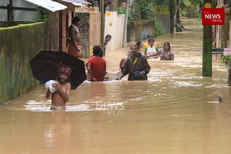Kerala rains 5000 more police personnel deployed for rescue ops