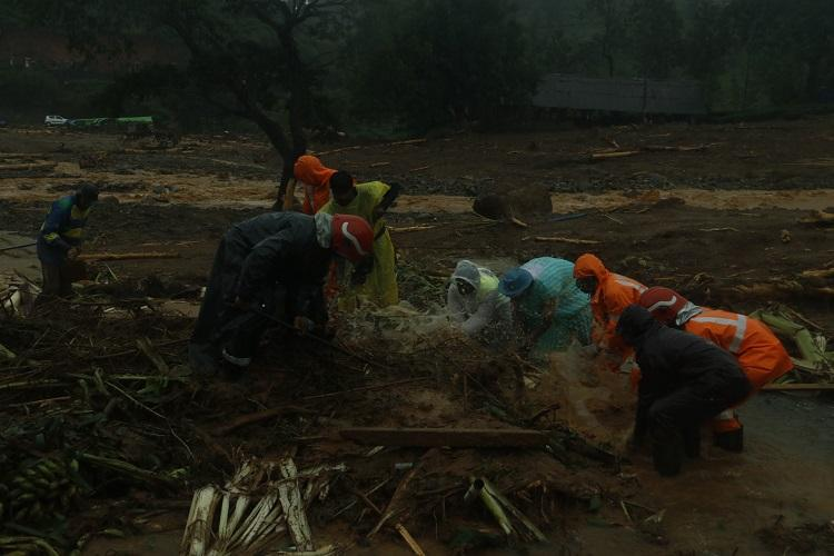 80 landslides in 8 Kerala districts in 2 days CM Pinarayi asks citizens to be cautious