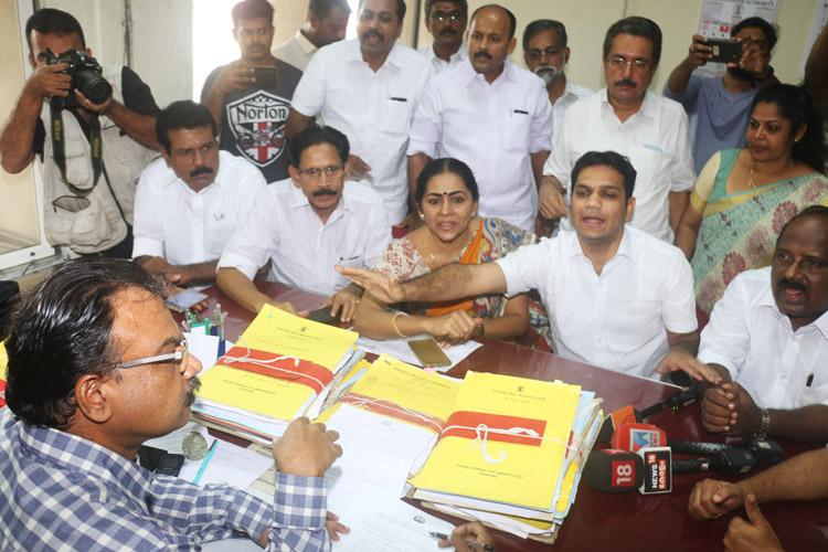 After Kochi Mayors sit-in protest over bad roads Kerala Water Authority promises action