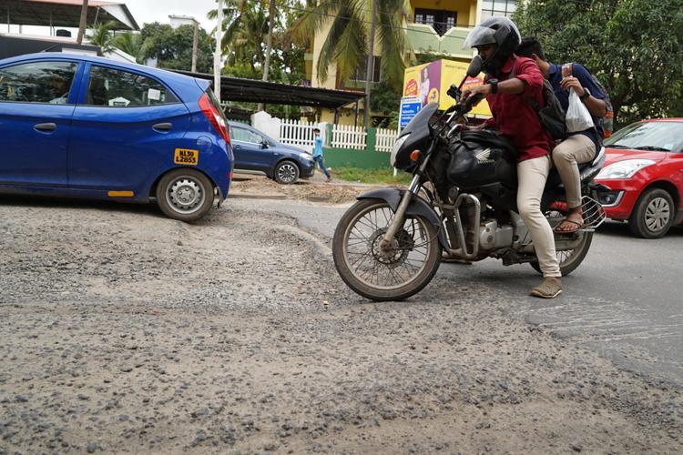 Kerala High Court initiates suo motu case on bad condition of Kochi roads