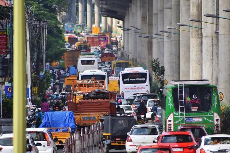 Kochi motorists locked in massive traffic gridlock near busy junctions for hours