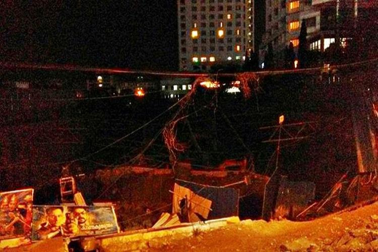 Building collapses in Kochi metro services halted