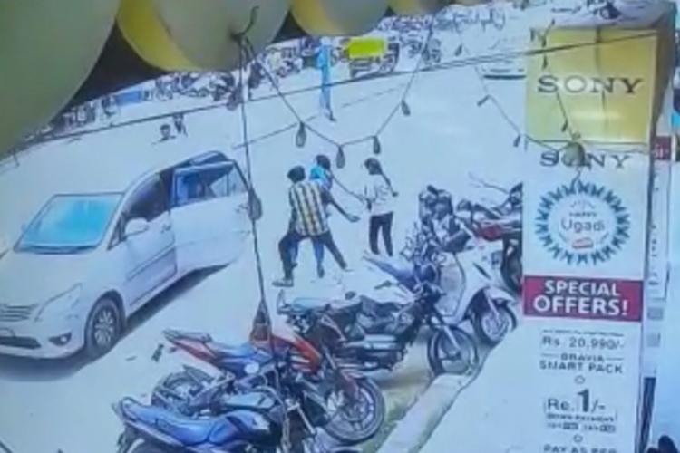 Karnataka man kidnaps woman in broad daylight for refusing marriage caught on CCTV