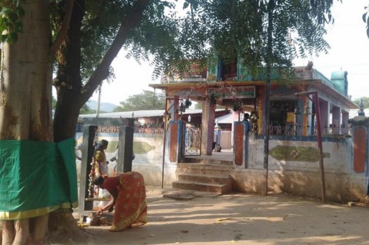Chamarajanagar prasadam poisoning Death toll reaches 11 cops question temples management