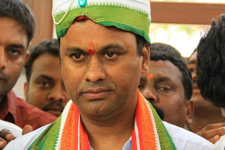 Telangana Congress MLA Komatireddy Rajagopal meets Ram Madhav to join BJP