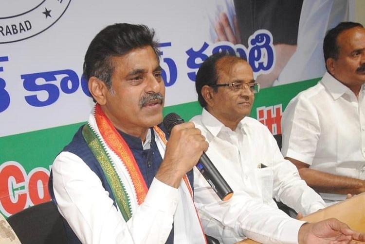 Nizam was better than KCR Vishweshwar Reddy warns TRS of anti-incumbency wave