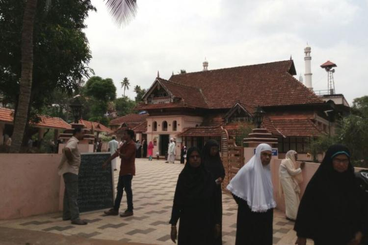 8th century Kerala mosque allows women to visit for the first time but where to from here