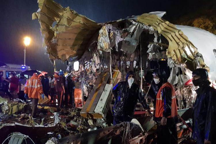 Air India express flight crash in Karipur