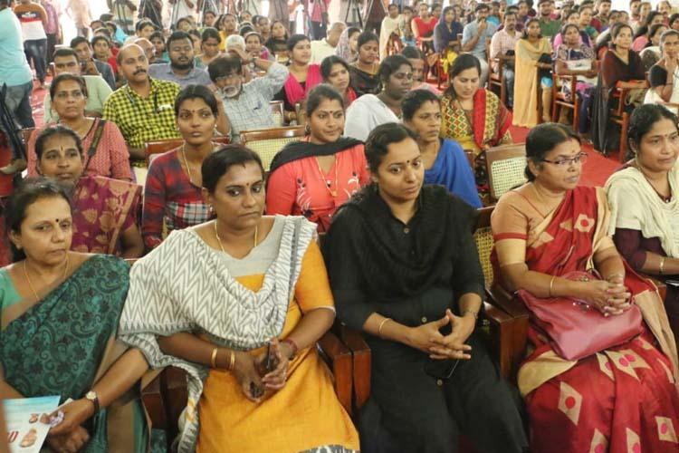 One lakh Kudumbashree women workers to go back to school