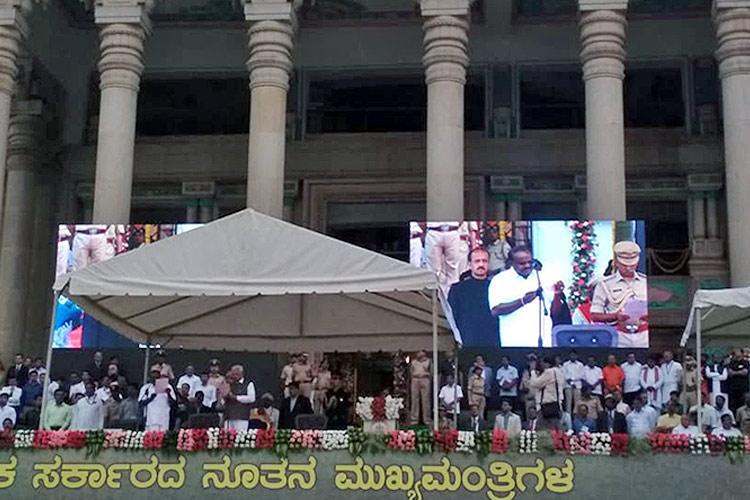 HD Kumaraswamy sworn-in as 25th CM of Karnataka to face floor test on Friday