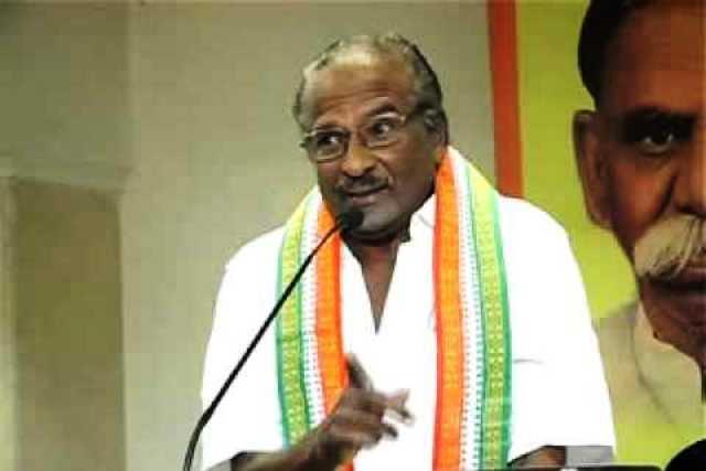 TN Cong leader Kumari Ananthan faints during anti-liquor padayatra