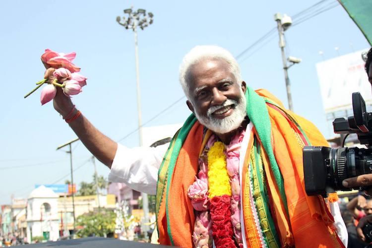 Kummanam Rajasekharan returns to Kerala for elections gets grand welcome