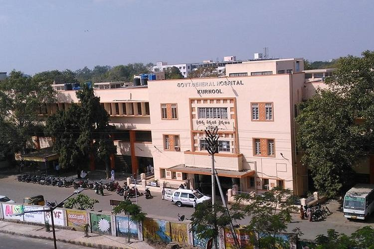 For turning up late 50 doctors in Andhras Kurnool General Hospital get memo