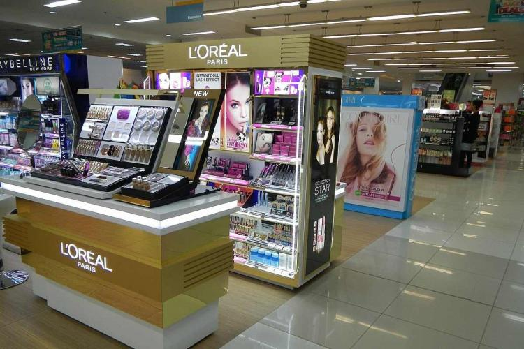 A lorealstore displaying products at a store