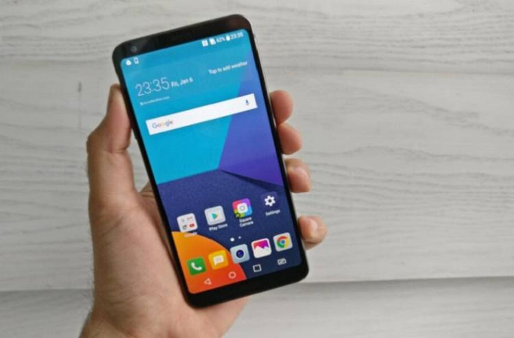 LG G6 smartphone Taking on the Samsung Galaxy S8