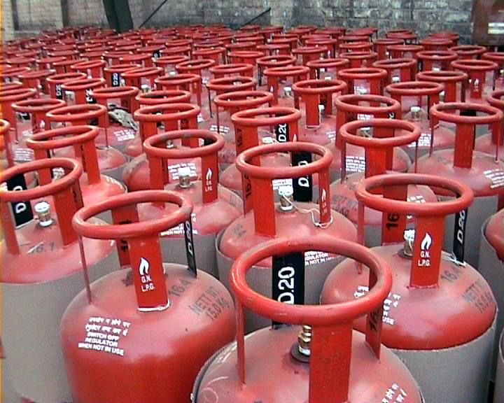 NDA pulls the plug on LPG subsidy for those earning more than Rs 10 lakh