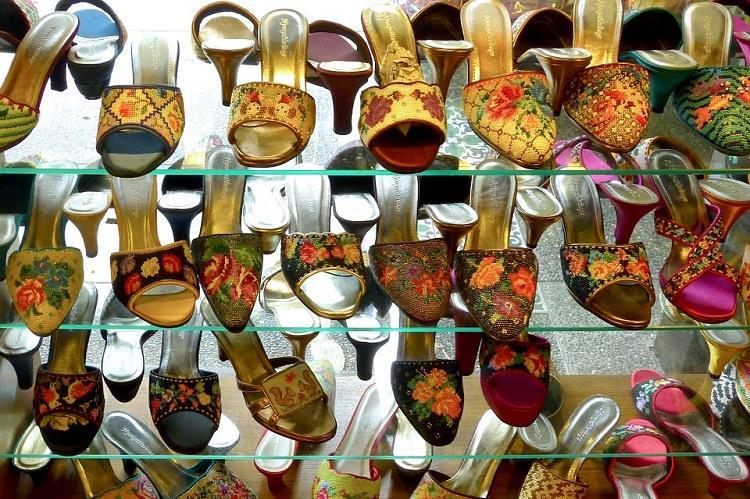 Delhi HC clears confusion between chappal and sandal Twitter comes up with hilarious reactions