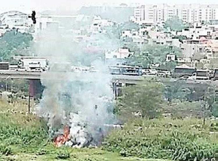 Another lake catches fire in Bengaluru this time in Benniganahalli