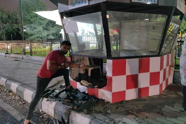 Lamborghini crashes into police kiosk in Bengaluru car owner then poses with the debris