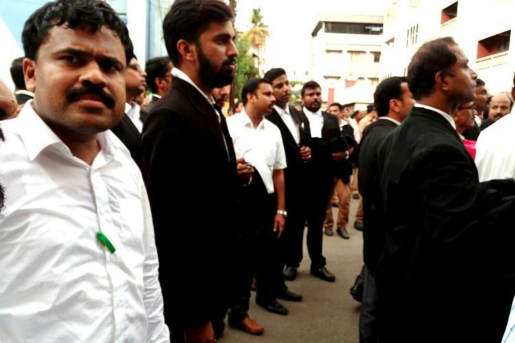 Kerala lawyers-media standoff TVM bar forum suspends 9 advocates for representing journalists