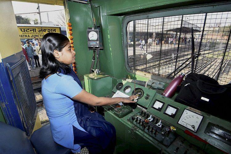 Train drivers undergoes training on digital crew simulation systems with 3D technology